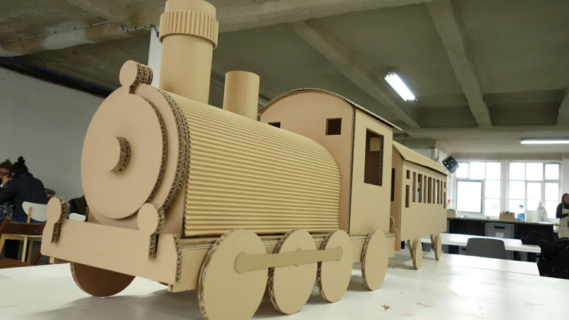 sophietais-carton-comande-train(6)